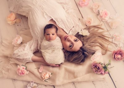 Family-photography-sydney-newborn-in-mum-arm