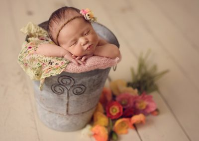 Kissy-face-newborn-photography